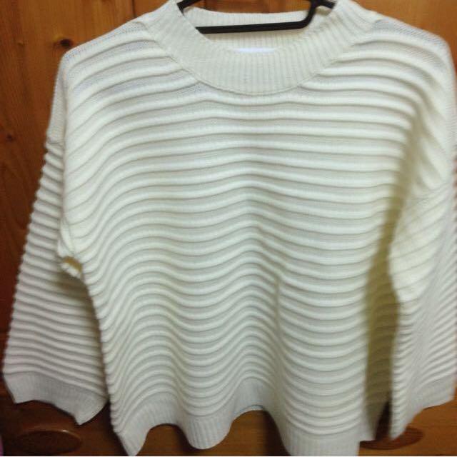 全新✨米白色橫條針織毛衣