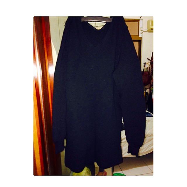 (免運)黑色長版針織上衣