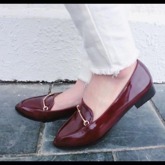 復古造型尖頭低跟休息鞋