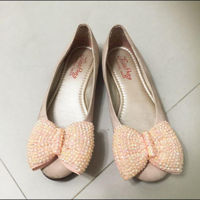 粉色亮鑽膨膨蝴蝶結平底鞋
