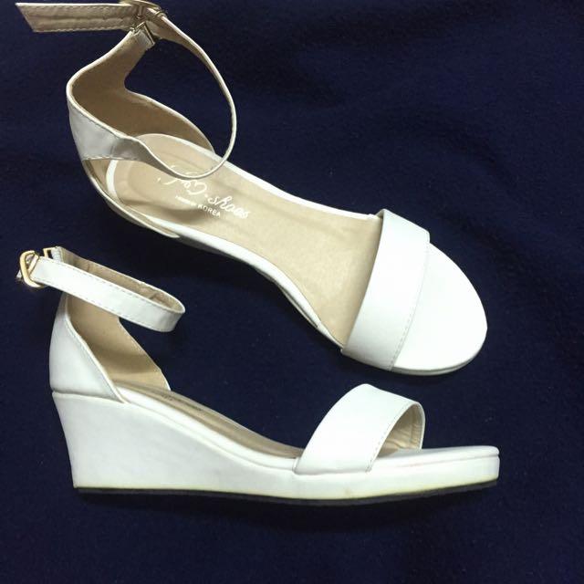 ✨全新🎀 ㄧ字帶釦環 楔型涼鞋