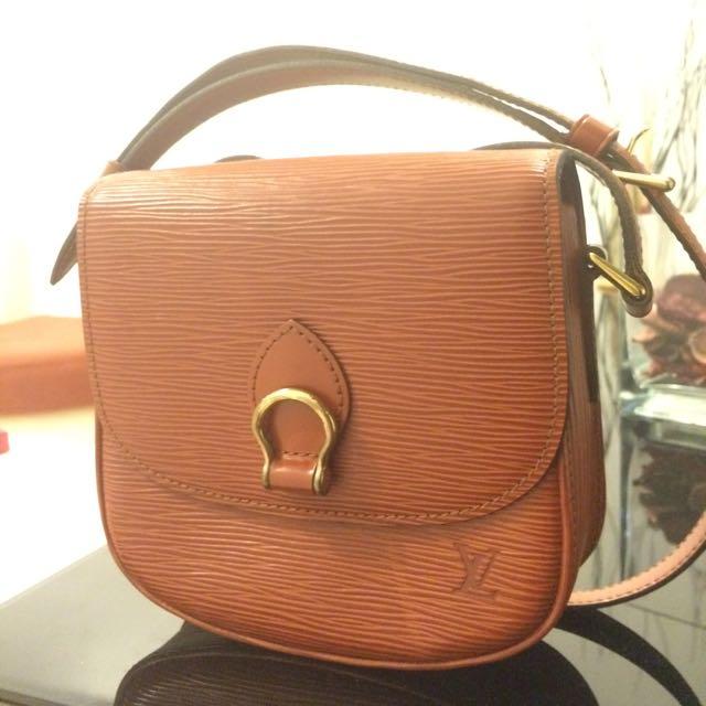 7ae08ea945d1 Authentic Vintage Louis Vuitton Brown Epi Saint Cloud Mini Crossbody ...
