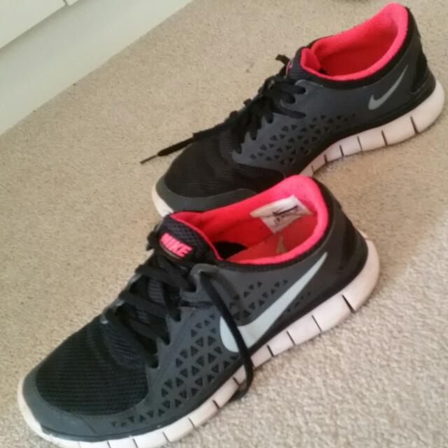 Nike Free Run Black/silver/hot pink