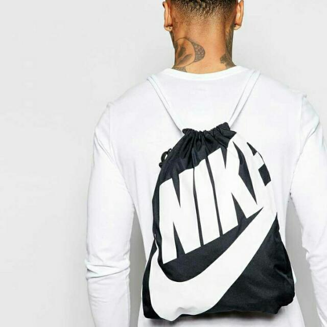 Nike Heritage Gymsack 白勾 新款 限量 背包 男女 特殊 黑白 穿搭 百搭 熊貓 束口袋 Ba5128-011。