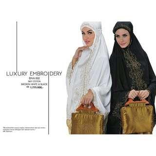 Luxury Embroidery (Diva 002)
