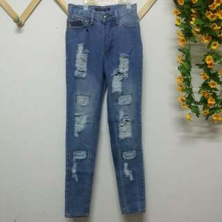 (Brand New ) Ripped Jeans Highwaisted Skinny