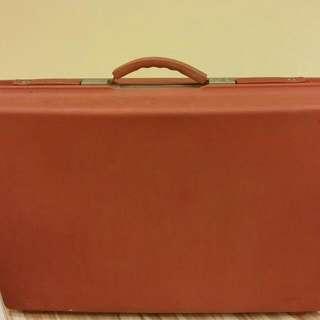 復古大紅行李箱
