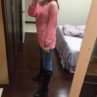 粉色露肩針織衫