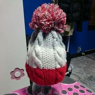 紅白灰毛帽