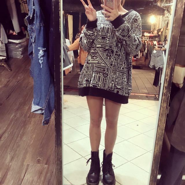 黑色塗鴉毛衣