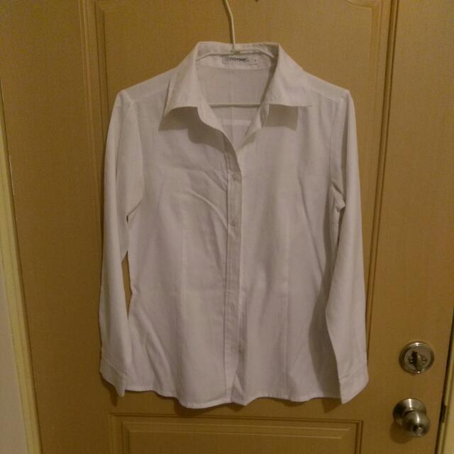 純白長袖襯衫