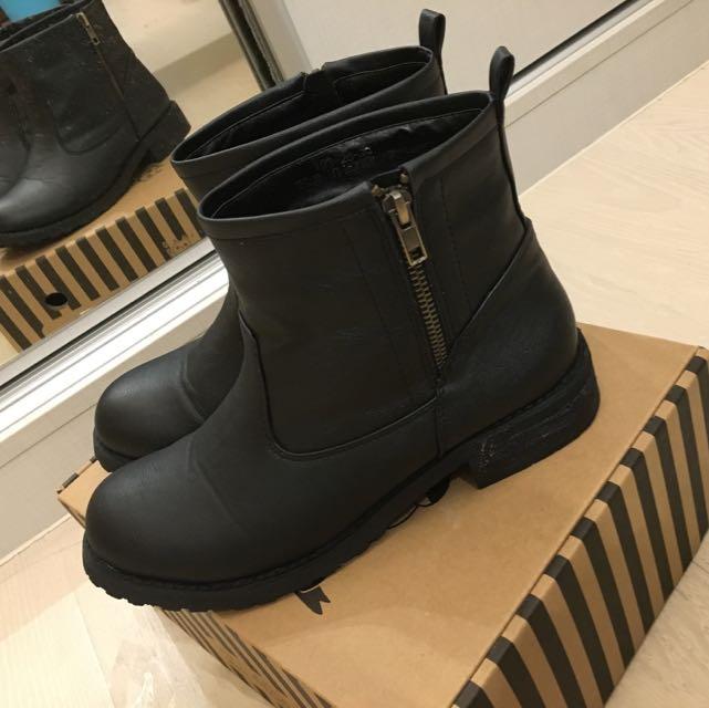 Ann's率性牛紋短靴 38