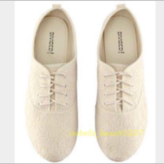 全新 H&M綁帶蕾絲淺口平口帆布鞋
