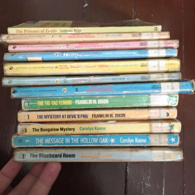 Old Sweet valley Twins/Hardy boys/Nancy Dres