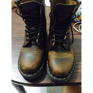 100% Authentic Dr. Martens Classic leather boots