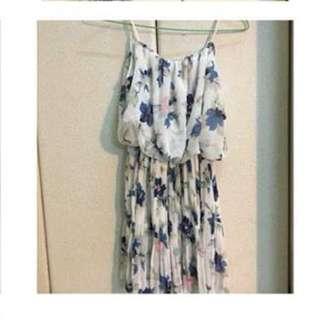 花朵小洋裝