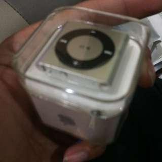 iPod Shuffle 2gb New Unopened