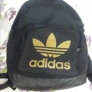 (可換其他後背包)adidas後背包