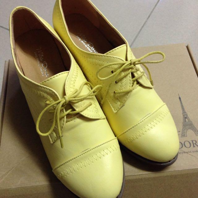 38號 米黃色低跟皮鞋 牛津鞋