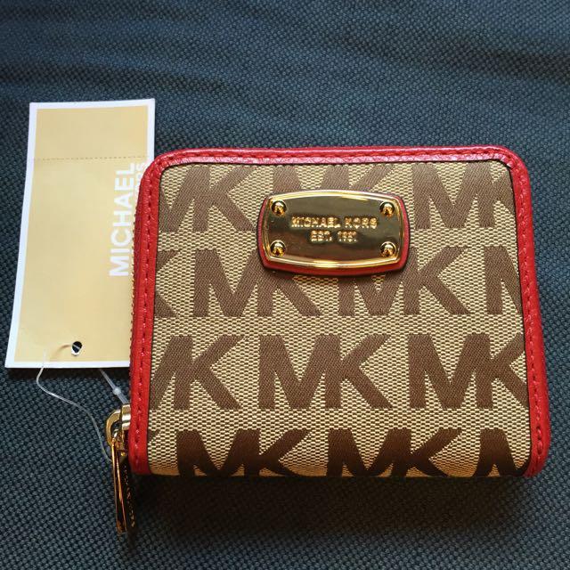 MICHAEL KORS紅色真皮飾邊金色MK logo 拉鍊短夾