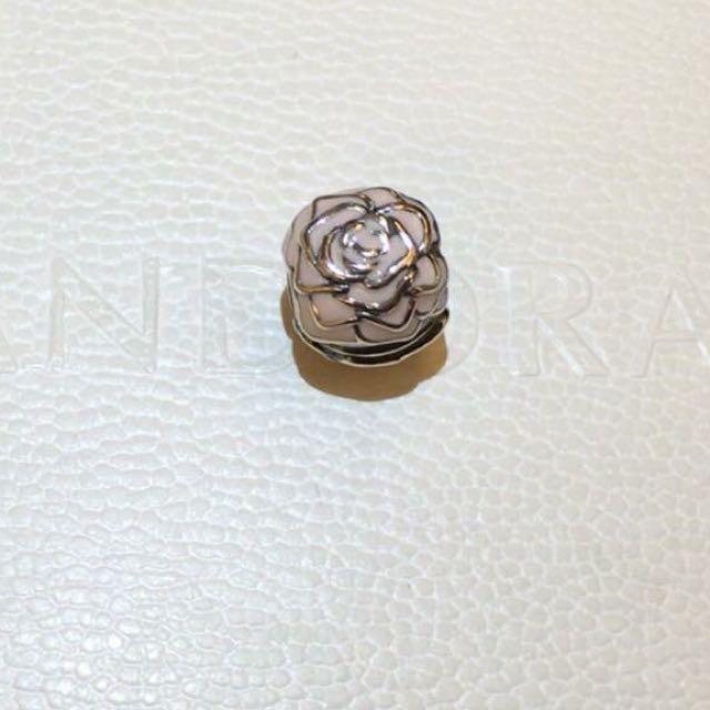 Pandora 全新玫瑰扣