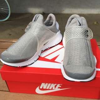 Nike Sock Dart Gary