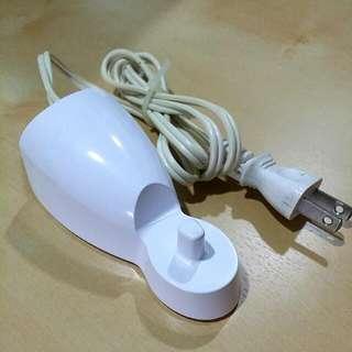 歐樂B 電動牙刷充電器