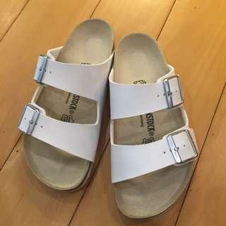 德國Birkenstock 白色拖鞋(Arizona款)