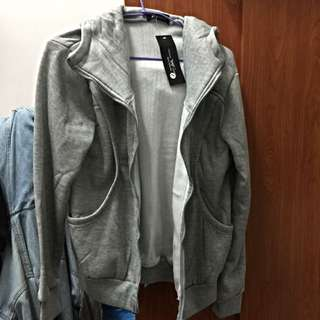 (全新)灰色連帽內鋪棉外套