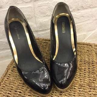黑色漆皮 高跟鞋