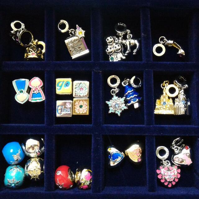 冰雪奇緣串飾32個+收藏盒