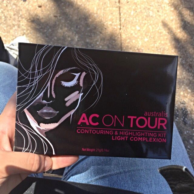 AC On Tour Contouring And Highlighting Palette