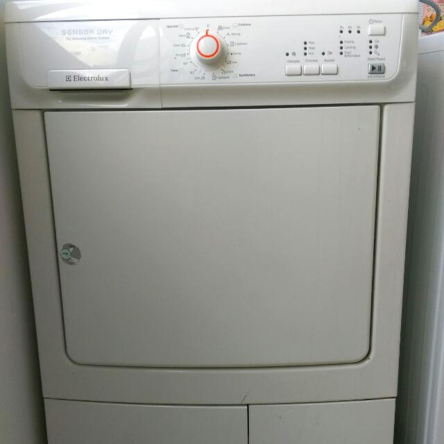 FREE  Faulty Electrolux Condenser Dryer FOR REPAIR   PARTS ... 30f7d47fbf