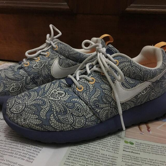 huge sale 7fca3 ab4c1 Limited Edition Nike Roshe Run Liberty, Women s Fashion on Carousell