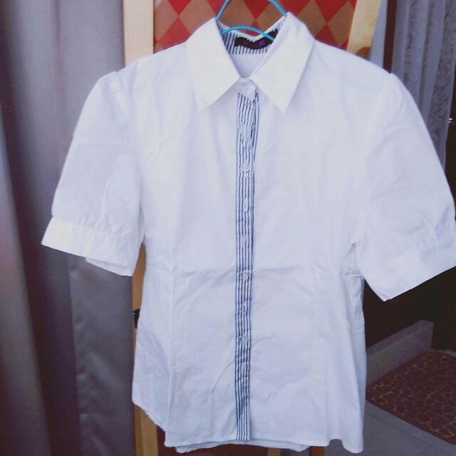 下殺⚡中間藍色繡線直條白色寬短袖襯衫M號