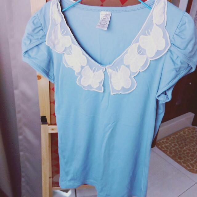 蝴蝶蕾絲V領灰藍色短袖上衣