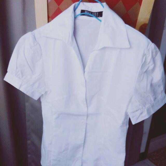 下殺⚡復古造型V領淨短袖白襯衫M號
