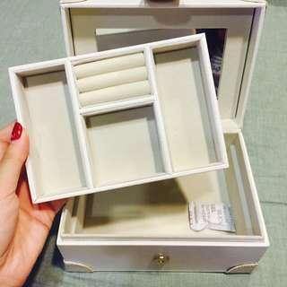 降」全新白色珠光簡約飾品絨布收納盒