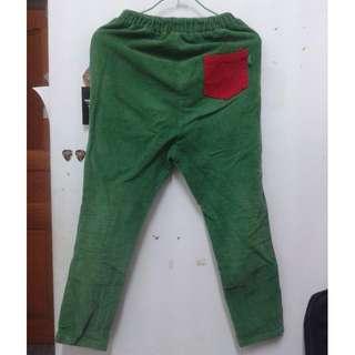 (保留中)PLANET行星購入-復古小男孩飽和單邊口袋燈心絨AB褲 綠色 撞色 紅色口袋  超可愛!