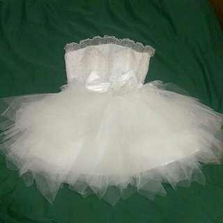 全新白色澎裙小禮服