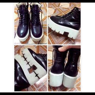 黑色厚底靴37號