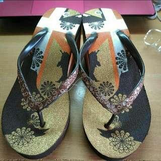 降價重PO!TOMO彩色印花圖騰楔形夾腳拖鞋(全新)
