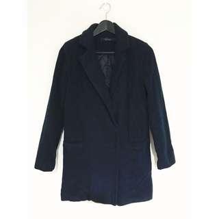 基本款深藍色大衣外套