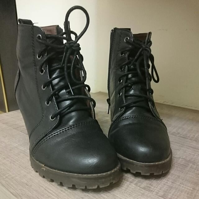 含運/黑色粗跟綁帶騎士靴37
