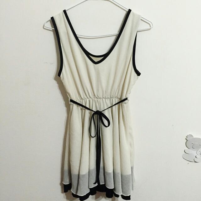 氣質米白雪紡洋裝