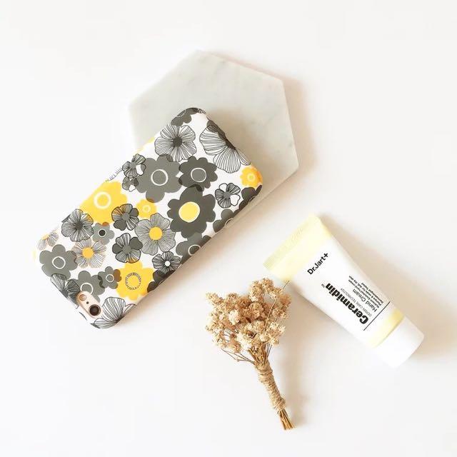 小雛菊花卉 iPhone 手機殼