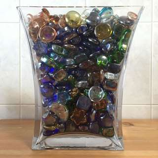 Narrow Flared Rectangle Glass With Accessories