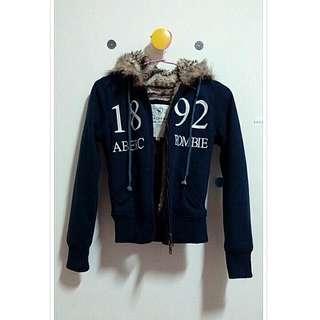 (保留中) A&F深藍色厚外套
