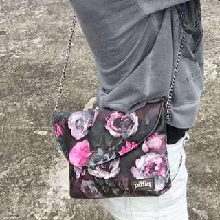 油彩玫瑰防水包