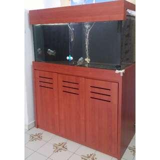 4 feet fish tank for sale
